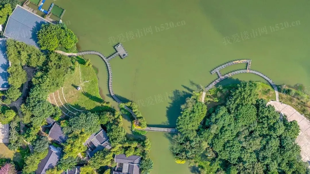 绿岛湖实景图